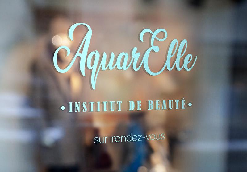 Adhesif découpé - vitrine à Villefranche de Rouergue