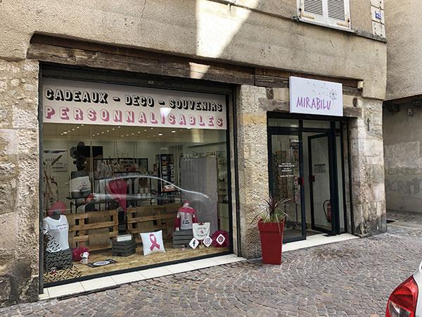 enseigne-et-adhesifs-vitrine-boutique-mirabilu-villefranche-de-rouergue